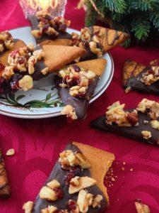 Knusprige Nussecken mit Cranberries