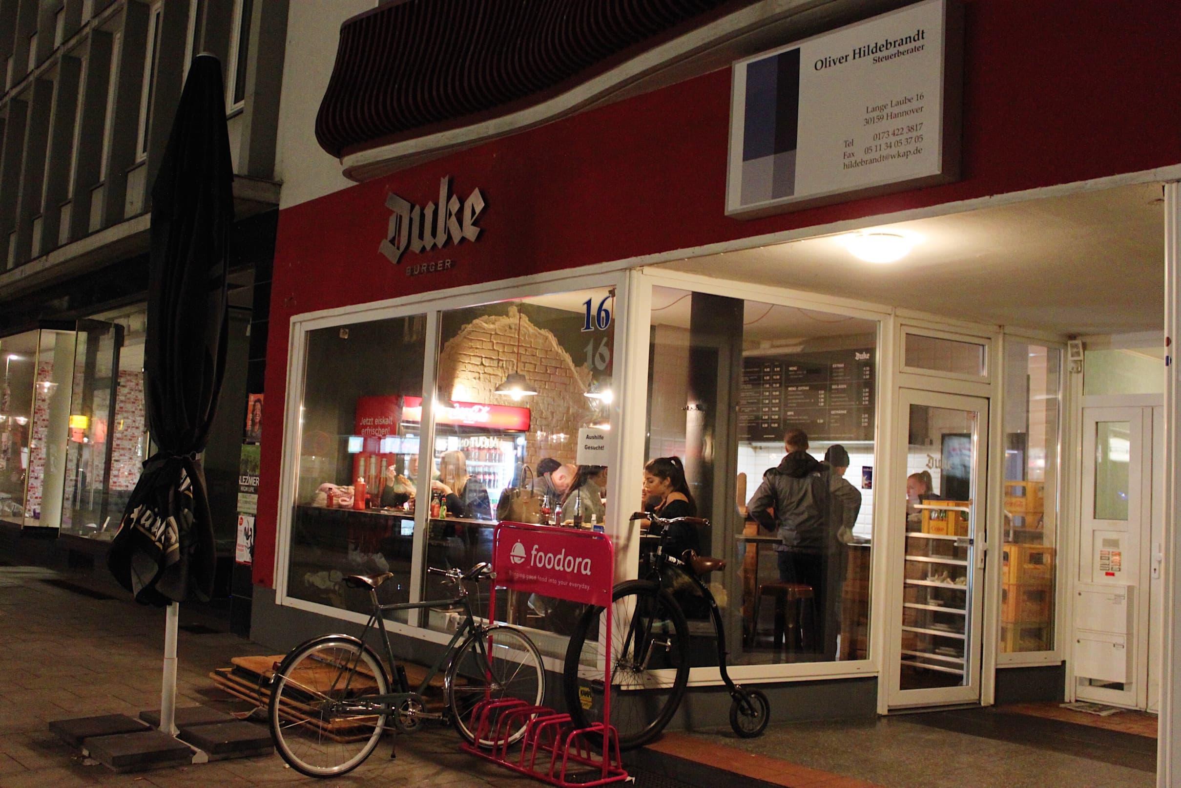 Duke Burger Hannover draussen