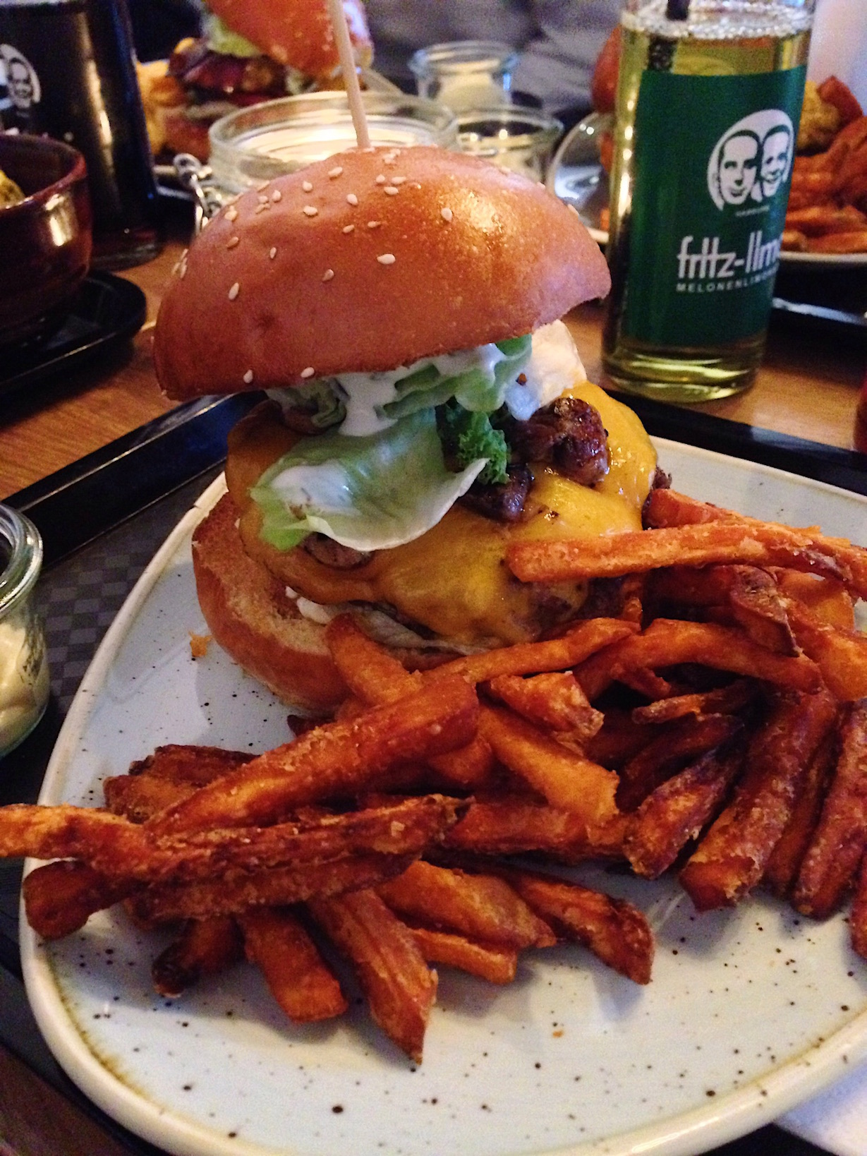lindenblatt burger bar hannover review mimi rose